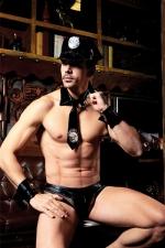 Déguisement sexy policier 5 pièces : Avec ce déguisement coquin pour homme, votre entourage n'hésitera plus à appeler la police.